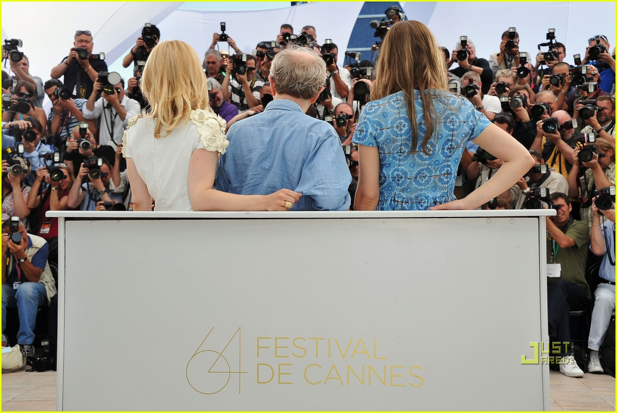 rachel mcadams maxime simoens cannes 18